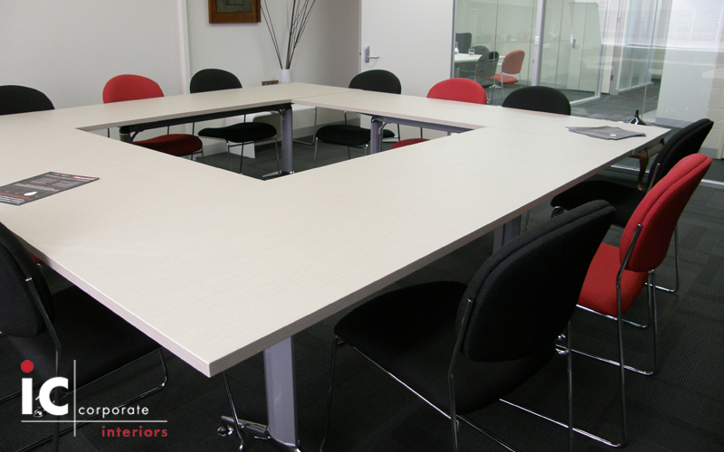 Re configurable Meeting Table