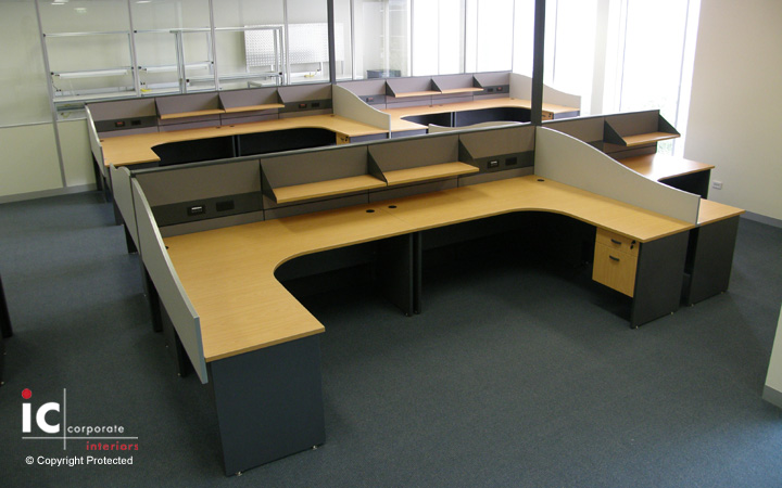 Open Plan Workstations for 20 People